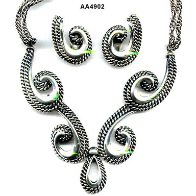 Napier Arte Moderne Necklace Earrings Set
