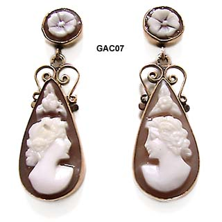 14K Sardonyx Shell Cameo Earrings