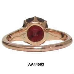 Late Victorian 18 Karat Rose Gold Garnet Ring